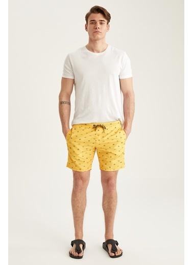 DeFacto Diz Üstü Desenli Deniz Şortu Sarı